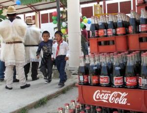 Disfruta Coca-Cola (Quelle: www.periodismohumano.com)