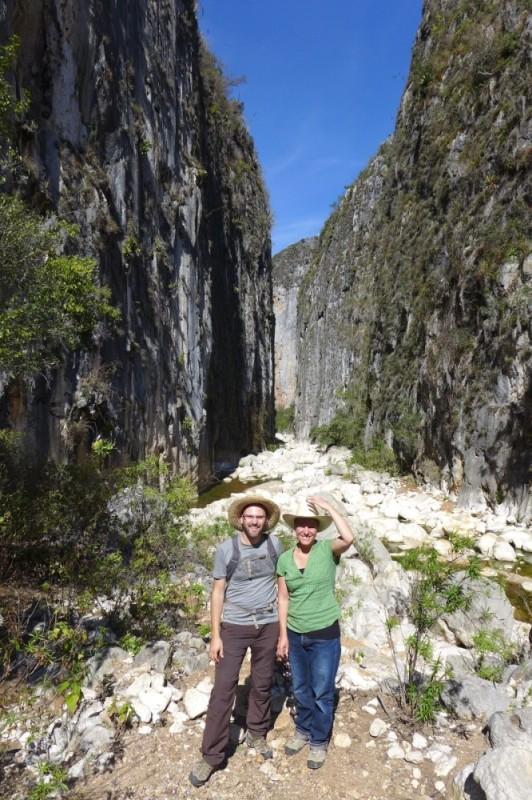Sierra Mixteca: Schlucht